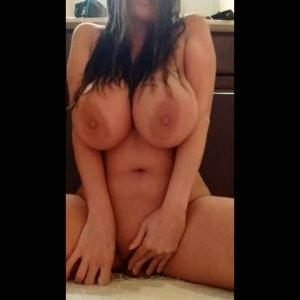 Huge titted amateur girl is fucked